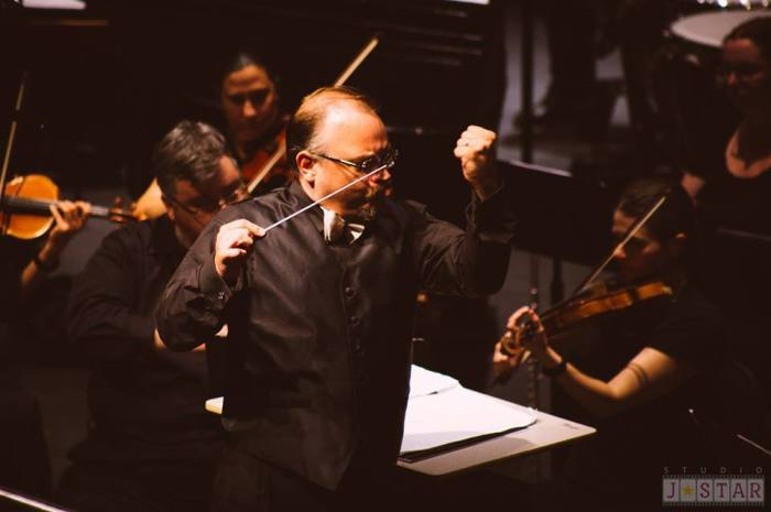 Conducting with Fist